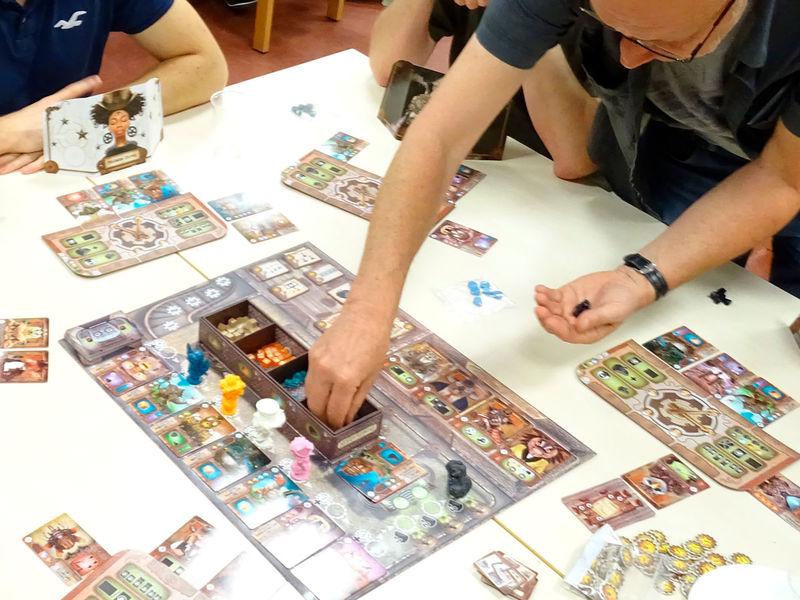 Jeu de cartes Magic l'assemblée à la ludothèque de Gif.