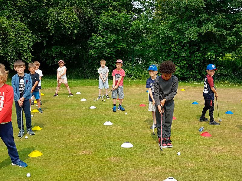 Activité golf au CIS