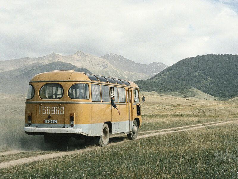 """Photographie de Claudine Doruy - Série """" Loulan Beauty"""" - Autour de Barskoön, Kirghizstan 2004"""